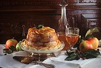 """Europe/France/Normandie/14/Calvados/Caen: Charlotte aux pommes et sauce anglaise recette de Robert Chabredier Chef du restaurant """"Le Dauphin"""""""