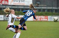 Club Brugge Dames - Telstar Ijmuiden : duel tussen Nicky Van Den Abbeele (rechts) en Stefanie Van Der Gragt<br /> foto Dirk Vuylsteke / nikonpro.be