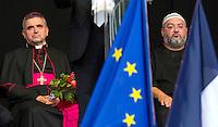 Il Vescovo Dominique Lebrun con un rappresentante della comunità' musulmana<br /> St Etienne 28/7/2016 Commemorazione solenne di Jacques Hamel, il parroco ucciso a St Etienne.<br /> Foto Stephen Caillet / Panoramic / Insidefoto