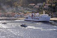 - Capraia island (Tuscan Archipelago), Toremar ferry in the harbor<br /> <br /> - isola di Capraia (Arcipelago Toscano), traghetto della compagnia Toremar in porto
