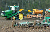 Photo: Richard Lane/Richard Lane Photography..Cultivating soil ahead of sowing in a field in the Chiltern Hills near Beaconsfield, South Buckinghamshire. 09/04/2004.
