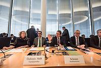 In einer nichtoeffentlichen Sondersitzung des Bundestagsausschuss fuer Verkehr und digitale Infrastruktur, am Mittwoch den 24. Juli 2019, berichtete Bundesverkehrsminister Andreas Scheuer (CSU) dem Ausschuss ueber Vertragsinhalte und moegliche Schadensersatzansprueche im Hinblick auf Kuendigungen von Vertraegen zur Infrastrukturabgabe (MAUT) in Folge des Urteils des Europaeischen Gerichtshofs (EuGH). Das Verkehrsministerium hatte, noch bevor die Einfuehrung der MAUT rechtsgueltig haette werden koenne, millionenschwere Vertraege mit Firmen abgeschlossen.<br /> Im Bild vlnr.: Der Ausschussvorsitzende Cem Oezdemir, Buendnis 90/ Die Gruenen und Verkehrsminsiter Scheuer.<br /> 24.7.2019, Berlin<br /> Copyright: Christian-Ditsch.de<br /> [Inhaltsveraendernde Manipulation des Fotos nur nach ausdruecklicher Genehmigung des Fotografen. Vereinbarungen ueber Abtretung von Persoenlichkeitsrechten/Model Release der abgebildeten Person/Personen liegen nicht vor. NO MODEL RELEASE! Nur fuer Redaktionelle Zwecke. Don't publish without copyright Christian-Ditsch.de, Veroeffentlichung nur mit Fotografennennung, sowie gegen Honorar, MwSt. und Beleg. Konto: I N G - D i B a, IBAN DE58500105175400192269, BIC INGDDEFFXXX, Kontakt: post@christian-ditsch.de<br /> Bei der Bearbeitung der Dateiinformationen darf die Urheberkennzeichnung in den EXIF- und  IPTC-Daten nicht entfernt werden, diese sind in digitalen Medien nach §95c UrhG rechtlich geschuetzt. Der Urhebervermerk wird gemaess §13 UrhG verlangt.]