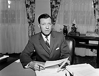 1966 POL - LAMONTAGNE Gilles  - Maire de Québec