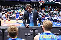 Ansprache Trainer Frank Menz (Basketball Löwen Braunschweig) - 12.03.2017: Fraport Skyliners vs. Basketball Löwen Braunschweig, Fraport Arena Frankfurt