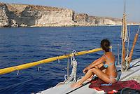 - Lampedusa island, the more southern part of the Italian territory, in front of the Tunisinian African coasts ....- l'isola di Lampedusa, la parte del territorio italiano più meridionale, di fronte alle coste africane tunisine