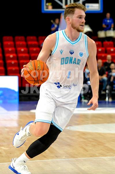 GRONINGEN - FIBA Basketbal-bubbel. Donar - Allianz Swans Gmunden seizoen 2021-2022, 29-09-2021,  Donar speler Austin Luke