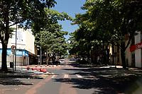 Foz do Iguaçu (PR), 22/03/2020 - Coronavírus / Foz do Iguaçu -  Avenida Brasil no centro de Foz do Iguaçu (PR) totalmente vazia na manhã deste domingo (22). Fato ocorre devido ao COVID-19. (Foto: Paulo Lisboa/Brazil Photo Press/Agencia O Globo) País