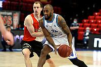 31-03-2021: Basketbal: Donar Groningen v ZZ Feyenoord: Groningen , Donar speler Justin Watts met Feyenoord speler Yamill Wip