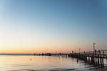 Australien, Queensland, Fraser Island, groesste Sandinsel der Welt, reisen, UNESCO Weltnaturerbe, Insel, Sand, Sonnenuntergang, Kai, 10/2014<br />engl.: Australia, Queensland, Fraser Island, world heritage listing, world´s largest sand island, travel, sunset, wharf, 10/2014