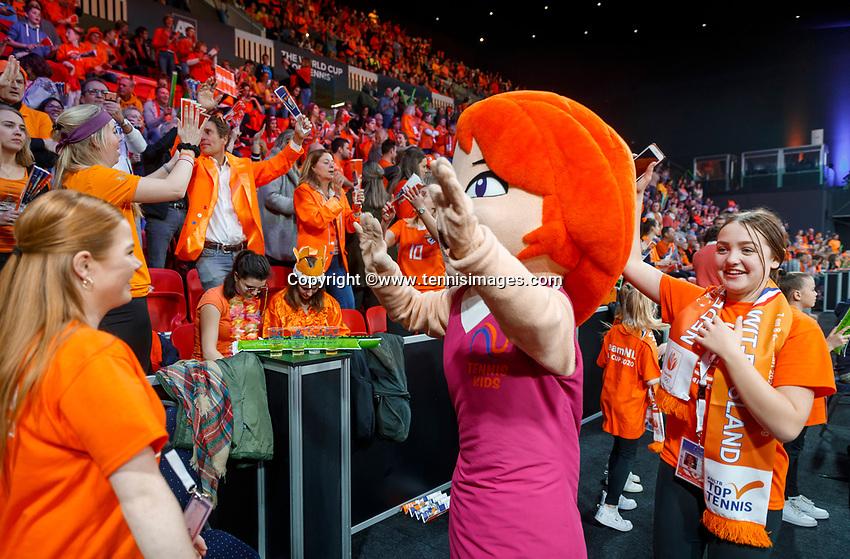 The Hague, The Netherlands, Februari 8, 2020,    Sportcampus, FedCup  Netherlands -  Balarus, Love dancing with fans<br /> Photo: Tennisimages/Henk Koster