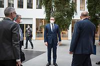 """Bundesgesundheitsminister Jens Spahn (CDU) (Bildmitte) nahm am Dienstag den 3. November in Berlin vor der Bundespressekonferenz Stellung zum Thema """"Die Pandemielage im Lock down"""". Begleitet wurde er dabei von Experten des Helmholtz Zentrum fuer Infektionsforschung, des Robert-Koch-Institut, des Vereins der Labormediziner ALM und der Deutschen Interdisziplinaeren Vereinigung fuer Intensiv- und Notfallmedizin.<br /> 3.11.2020, Berlin<br /> Copyright: Christian-Ditsch.de"""