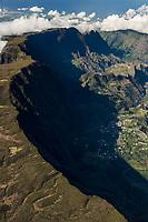 France, île de la Réunion, Parc national de La Réunion, classé Patrimoine Mondial de l'UNESCO, cirque de Cilaos (vue aérienne) //  France, Reunion island (French overseas department), Parc National de La Reunion (Reunion National Park), listed as World Heritage by UNESCO, cirque of Cilaos ,(aerial  view)
