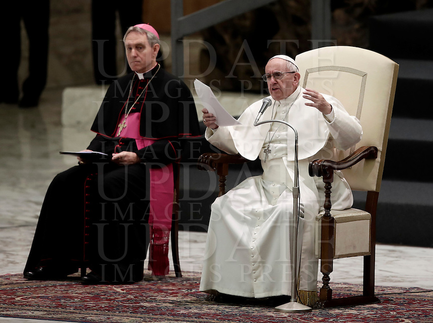Papa Francesco tiene l'Udienza Generale del mercoledi' in aula Paolo VI, Citta' del Vaticano, 7 dicembre 2016.<br /> Pope Francis leads  his weekly general audience in Paul VI Hall at the Vatican on December 7, 2016. <br /> UPDATE IMAGES PRESS/Isabella Bonotto<br /> <br /> STRICTLY ONLY FOR EDITORIAL USE