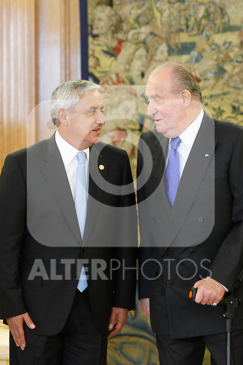 King Juan Carlos of Spain receives Guatemalan President Otto Perez Molina at Zarzuela Palace, Madrid. February 13, 2013. (ALTERPHOTOS/Caro Marin)