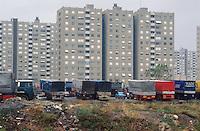 - TIR trucks parking at Istanbul periphery ..- parcheggio di autocarri TIR alla periferia di Istanbul