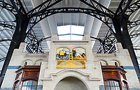 Nederland  Haarlem - 2020.  Station Haarlem. Tegeltableau van de firma Rozenburg.   Foto : ANP/ HH / Berlinda van Dam