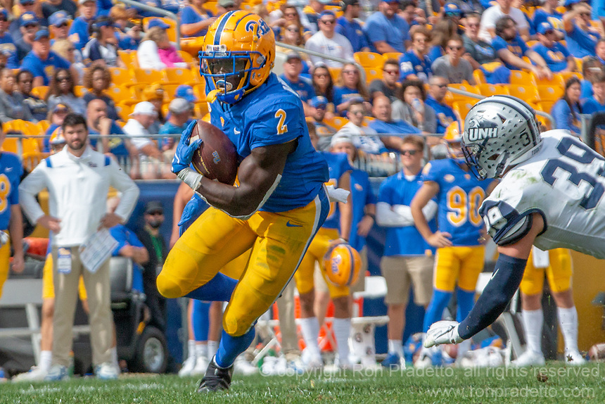Pitt running back Israel Abanikanda. The Pitt Panthers defeated the New Hampshire Wildcats 77-7 at Heinz Field, Pittsburgh, Pennsylvania on September 25, 2021.