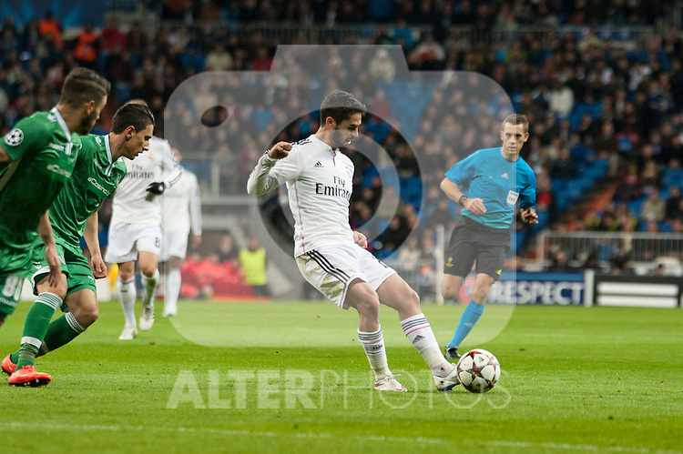 Isco of Real Madrid during Champions League match between Real Madrid and Ludogorets at Santiago Bernabeu Stadium in Madrid, Spain. December 09, 2014. (ALTERPHOTOS/Luis Fernandez)