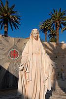 Nazareth / Israele.Statua della Madonna nei pressi della Basilica dell'annunciazione..Foto Livio Senigalliesi..Nazareth / Israel.Basilica of annunciation.Photo Livio Senigalliesi