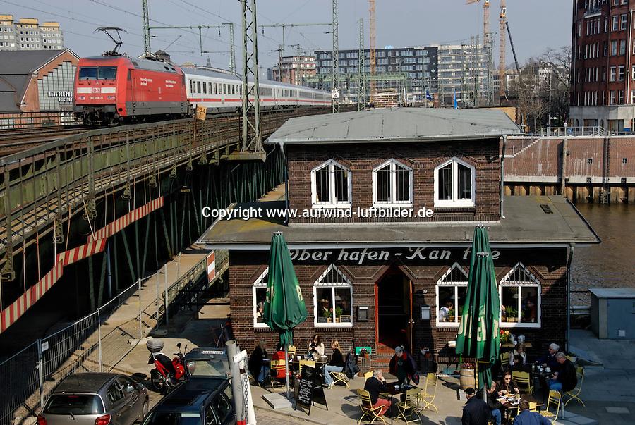 4415/Oberhafen Kantine: DEUTSCHLAND, GERMAY 26.03.2007: Oberhafen Kantine, urige Kneipe im Hamburger Hafen, Hafencity, Speicherstadt, Deutsche Bahn, Zug, Lokomotive, .c o p y r i g h t : A U F W I N D - L U F T B I L D E R . de.G e r t r u d - B a e u m e r - S t i e g  1 0 2,  .2 1 0 3 5  H a m b u r g ,  G e r m a n y.P h o n e  + 4 9  (0) 1 7 1 - 6 8 6 6 0 6 9 .E m a i l      H w e i 1 @ a o l . c o m.w w w . a u f w i n d - l u f t b i l d e r . d e.K o n t o : P o s t b a n k    H a m b u r g .B l z : 2 0 0 1 0 0 2 0  .K o n t o : 5 8 3 6 5 7 2 0 9.C  o p y r i g h t   n u r   f u e r   j o u r n a l i s t i s c h  Z w e c k e, keine  P e r s o e n  l i c h ke i t s r e c h t e   v o r  h a n d e n,  V e r o e f f e n t l i c h u n g  n u r    m i t  H o n o r a  n a c h  MFM, N a m e n s n e n n u n g und B e l e g e x e m p l a r !...