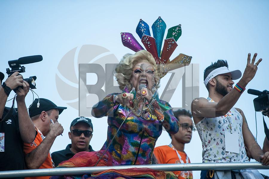 SÃO PAULO,SP, 18.06.2017 - PARADA-SP -Tchaka durante a 21º  Parada do orgulho LGBT na avenida paulista em São Paulo neste domingo, 18. (Foto: Rogério Gomes/Brazil Photo Press)
