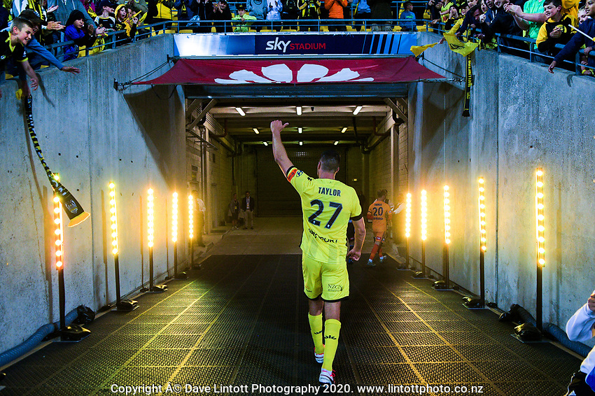 Phoenix's Steven Taylor thanks fans after the A-League football match between Wellington Phoenix and Melbourne Victory FC at Sky Stadium in Wellington, New Zealand on Sunday, 15 March 2020. Photo: Dave Lintott / lintottphoto.co.nz