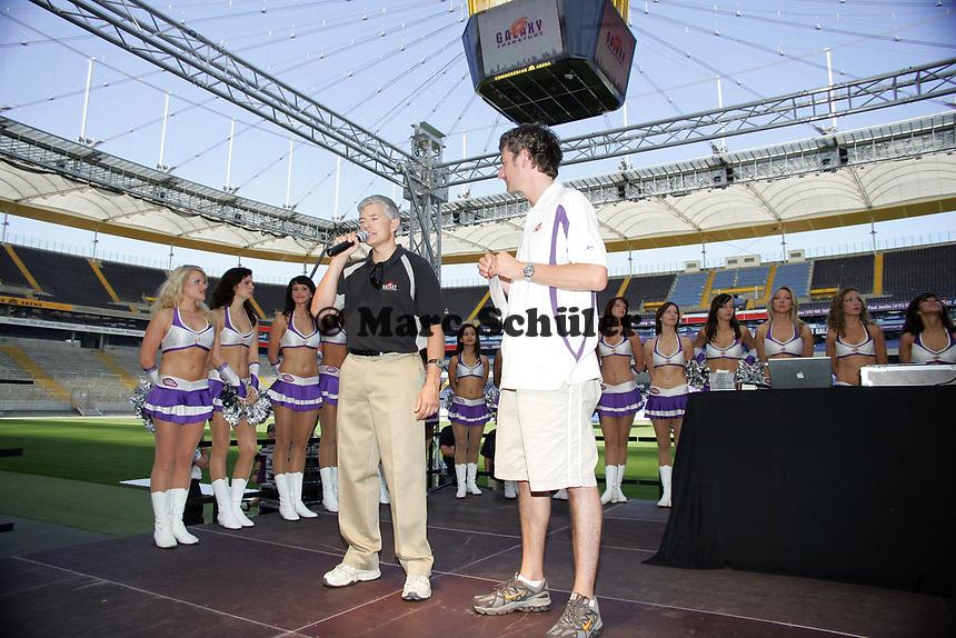 General Manager Tilman Engel und Stadionsprecher Steffen Popp (beide Frankfurt Galaxy) auf der Bühne