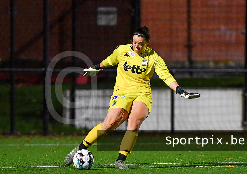 goalkeeper Sara Missair of Sporting Charleroi pictured during a female soccer game between Sporting Charleroi and Club Brugge YLA on the fourth matchday of the 2020 - 2021 season of Belgian Scooore Womens Super League , friday 9 nd of October 2020  in Marcinelle , Belgium . PHOTO SPORTPIX.BE | SPP | DAVID CATRY