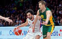 Serbia's Milos Teodosic (L)  vies with Lithuania's Renaldas Seibutis (C) during European championship semi-final basketball match between Serbia and Lithuania on September 18, 2015 in Lille, France  (credit image & photo: Pedja Milosavljevic / STARSPORT)