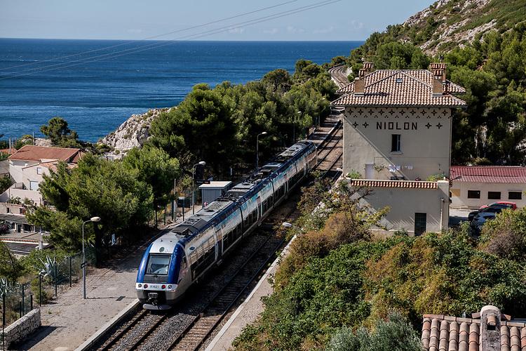 Train de la Côte Bleue à Niollon