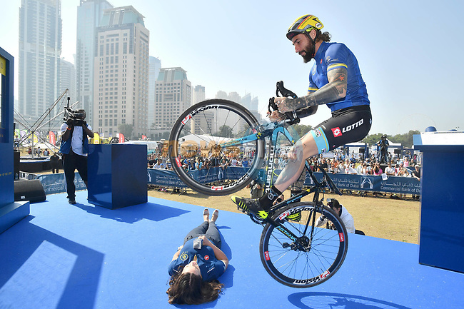 Vittorio Brumotti shows off his skills at sign on before the  start of Stage 5 The Meraas Stage final stage of the Dubai Tour 2018 the Dubai Tour's 5th edition, running 132km from Skydive Dubai to City Walk, Dubai, United Arab Emirates. 10th February 2018.<br /> Picture: LaPresse/Massimo Paolone   Cyclefile<br /> <br /> <br /> All photos usage must carry mandatory copyright credit (© Cyclefile   LaPresse/Massimo Paolone)