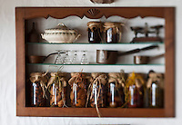 Europe/France/Aquitaine/64/Pyrénées-Atlantiques/Pays Basque/Sare: Musée du Gateau Basque - détail bocaux de fruits à l'alcool