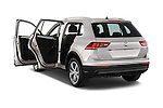 Car images of 2017 Volkswagen Tiguan Comfortline 5 Door Suv Doors