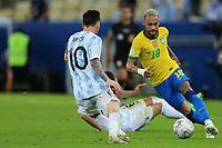 10th July 2021, Estádio do Maracanã, Rio de Janeiro, Brazil. Copa America tournament final, Argentina versus Brazil;  Lionel Messi of Argentina beaten by Neymar of Brazildo 10.