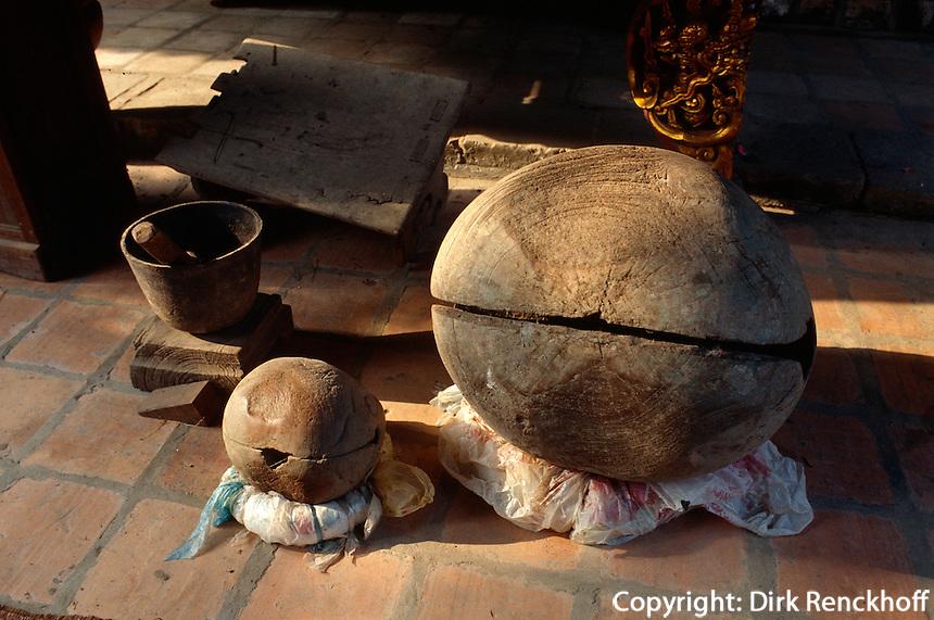 But Thap = Ninh Phuc-Pagode in Dintho bei Hanoi, Vietnam