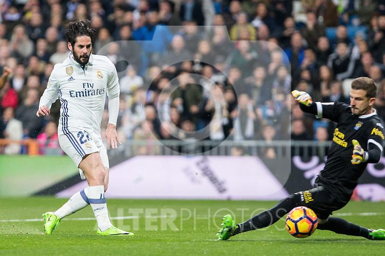 Isco Alarcon of Real Madrid in action during the match of Spanish La Liga between Real Madrid and UD Las Palmas at  Santiago Bernabeu Stadium in Madrid, Spain. March 01, 2017. (ALTERPHOTOS / Rodrigo Jimenez)