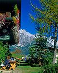 Oesterreich, Salzburger Land, Dienten, Gruenegg Jausenstation vorm Hochkoenig (2.941 m)   Austria, Salzburger Land, Dienten, Gruenegg alpine pasture Inn and Hochkoenig mountain range
