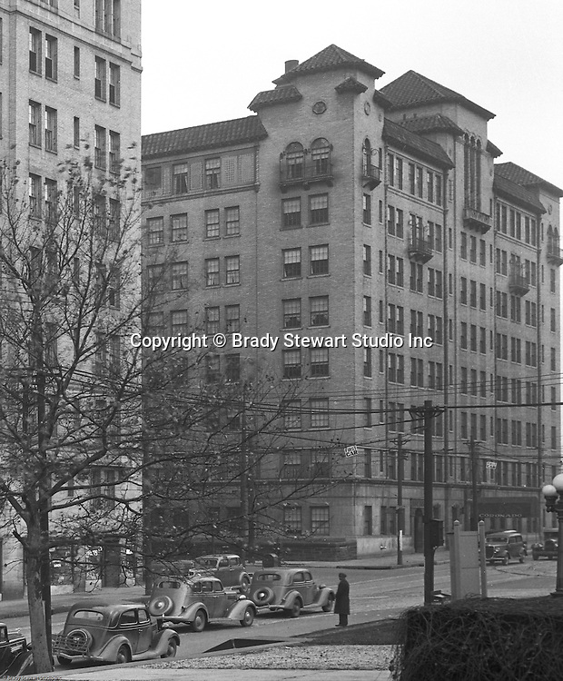 Pittsburgh PA:  View of the Coronado Apartments and Centre Avenue in Shadyside.  The apartments were built around the same time as the Arlington Apartments.  Apartments are still in use today and primarily houses Pitt and Carnegie Mellon Students