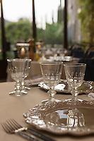 Europe/France/Provence-Alpes-Côte d'Azur/Vaucluse: Ménerbes:  Salle du restaurant de La Bastide de Marie