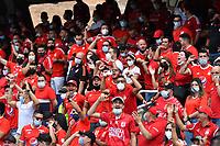 CALI - COLOMBIA, 07-08-2021: Hinchas del América animan a su equipo durante partido por la fecha 4 como parte de la Liga BetPlay DIMAYOR II 2021 entre América de Cali y Once Caldas jugado en el estadio Pascual Guerrero de la ciudad de Cali. / Fans of America cheer for their team during match between America de Cali and Once Caldas for the date 4 as part of Liga BetPlay DIMAYOR II 2021 played at Pascual Guerrero stadium in Cali city. Photo: VizzorImage / Nelson Rios / Cont