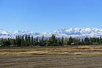 Shu-Tal vor Tianshan-Bergen, Kirgistan, Asien<br /> Shu Valley in front of Tianshan mountains, Kirgistan, Asia