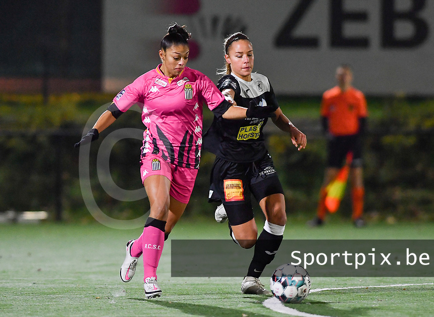 Jessica Silva Valdebenito (18 Charleroi) pictured in a fight for the ball with Aalst's Daisy Baudewijns during a female soccer game between Sporting Charleroi and Eendracht Aalst on the 8th  matchday of the 2020 - 2021 season of Belgian Scooore Womens Super League , friday 20 th of November 2020  in Marcinelle , Belgium . PHOTO SPORTPIX.BE | SPP | DAVID CATRY