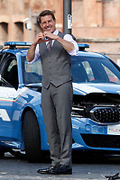 Actor Tom Cruise smiling and making the sign for heart to his fans on the set of the film Mission Impossible 7 at Imperial Fora in Rome. <br /> Rome (Italy), October 12th 2020<br /> Photo Samantha Zucchi Insidefoto