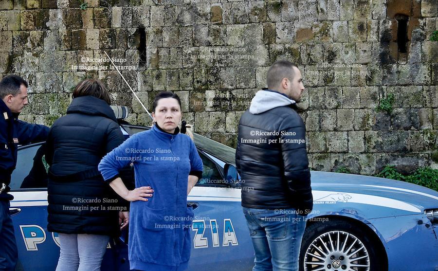 - NAPOLI 1 MAR  2014 -  Scontro Municipalità-Comume sul campo Rom da abbattere al via del Pianto.