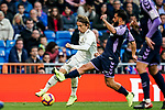 Luka Modric of Real Madrid (L) ifights for the ball with Daniele Verde of Real Valladolid during the La Liga 2018-19 match between Real Madrid and Real Valladolid at Estadio Santiago Bernabeu on November 03 2018 in Madrid, Spain. Photo by Diego Souto / Power Sport Images