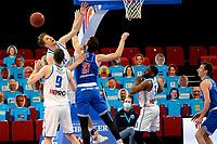 18-05-2021: Basketbal: Donar Groningen v Heroes Den Bosch: Groningen, Donar speler Thomas Koenis met Den Bosch speler Thomas van der Mars