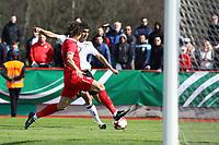 Aymen Barkok (Deutschland, Eintracht Frankfurt) gegen Sava Radic (Serbien) - 25.03.2017: U19 Deutschland vs. Serbien, Sportpark Kelsterbach