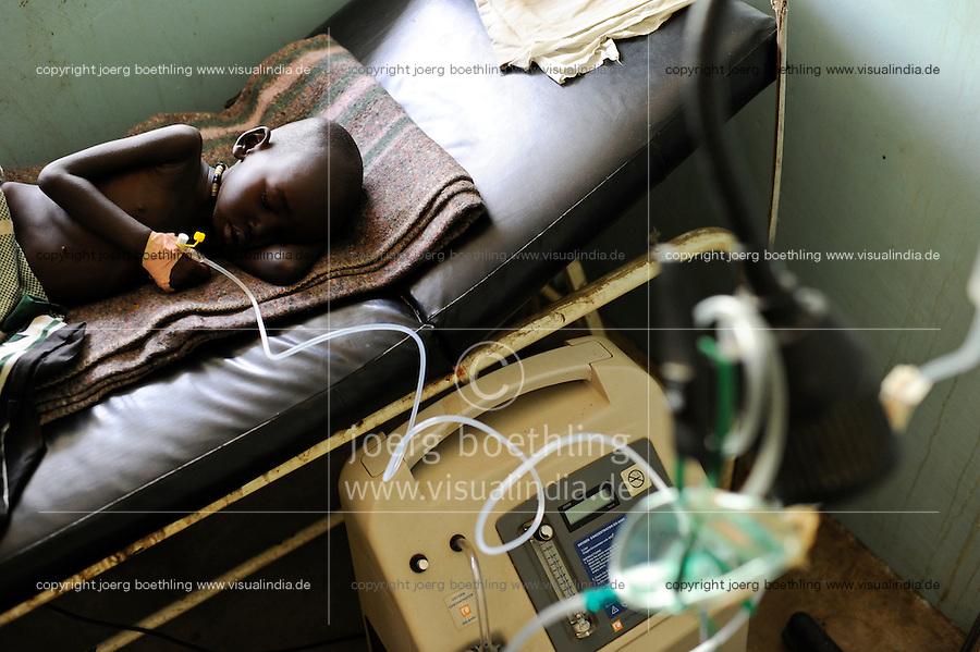 SOUTH SUDAN  Bahr al Ghazal region , Lakes State, hospital in Dinka village Mapuordit / SUED-SUDAN  Bahr el Ghazal region , Lakes State, Mary Immaculate DOR Hospital der Comboni Missionare im Dinka Dorf Mapuordit