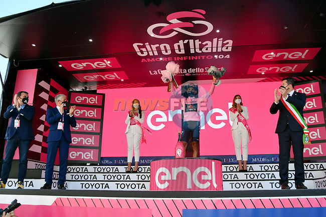 Race leader Egan Bernal (COL) Ineos Grenadiers retains the Maglia Rosa at the end of Stage 18 of the 2021 Giro d'Italia, running 231km from Rovereto to Stradella, Italy. 27th May 2021.  <br /> Picture: LaPresse/Gian Mattia D'Alberto | Cyclefile<br /> <br /> All photos usage must carry mandatory copyright credit (© Cyclefile | LaPresse/Gian Mattia D'Alberto)