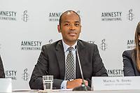 Pressegespraech zur Verleihung des 9. Amnesty Menschenrechtspreises am 16. April 2018 in Berlin.<br /> Amnesty International vergibt den Menschenrechtspreis 2018 an das Nadeem-Zentrum in Kairo als ein Zeichen gegen Folter in Aegypten.<br /> Stellvertretend fuer das Nadeem-Zentrum nahm der aegyptische Arzt und Menschenrechtsaktivist Taher Mukhtar entgegen, da die Betreiber des Zentrums nicht aus Aegypten ausreisen duerfen.<br /> Im Bild: Markus N. Beeko, Generalsekretaer von Amnesty International in Deutschland.<br /> 16.4.2018, Berlin<br /> Copyright: Christian-Ditsch.de<br /> [Inhaltsveraendernde Manipulation des Fotos nur nach ausdruecklicher Genehmigung des Fotografen. Vereinbarungen ueber Abtretung von Persoenlichkeitsrechten/Model Release der abgebildeten Person/Personen liegen nicht vor. NO MODEL RELEASE! Nur fuer Redaktionelle Zwecke. Don't publish without copyright Christian-Ditsch.de, Veroeffentlichung nur mit Fotografennennung, sowie gegen Honorar, MwSt. und Beleg. Konto: I N G - D i B a, IBAN DE58500105175400192269, BIC INGDDEFFXXX, Kontakt: post@christian-ditsch.de<br /> Bei der Bearbeitung der Dateiinformationen darf die Urheberkennzeichnung in den EXIF- und  IPTC-Daten nicht entfernt werden, diese sind in digitalen Medien nach §95c UrhG rechtlich geschuetzt. Der Urhebervermerk wird gemaess §13 UrhG verlangt.]
